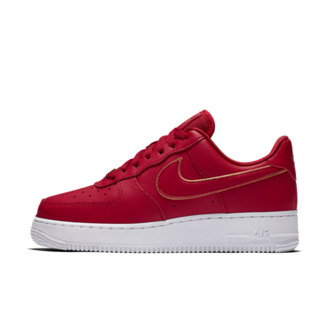 Nike WMNS Air Force 1 '07 'Red' Gold Swoosh Pack zijaanzicht