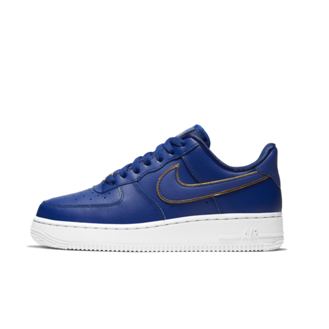 Nike WMNS Air Force 1 '07 'Blue' Gold Swoosh Pack zijaanzicht