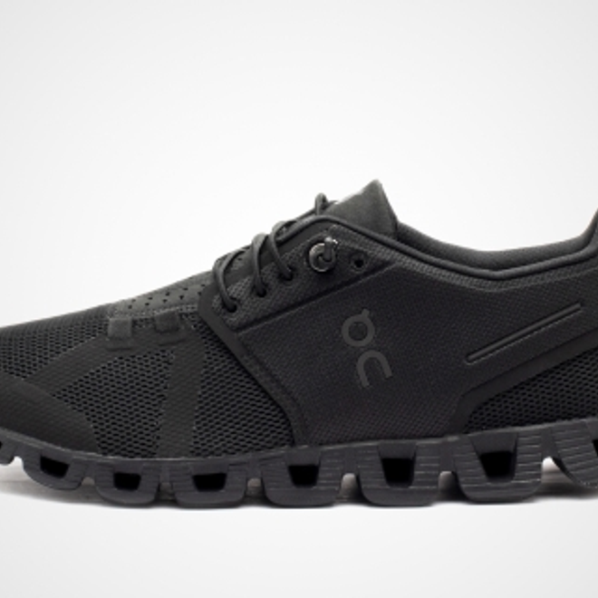 "On WMNS Cloud ""All Black"""