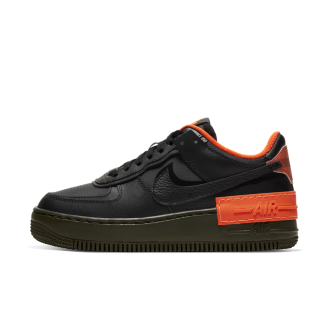 Nike WMNS Air Force 1 Shadow SE 'Orange' zijaanzicht