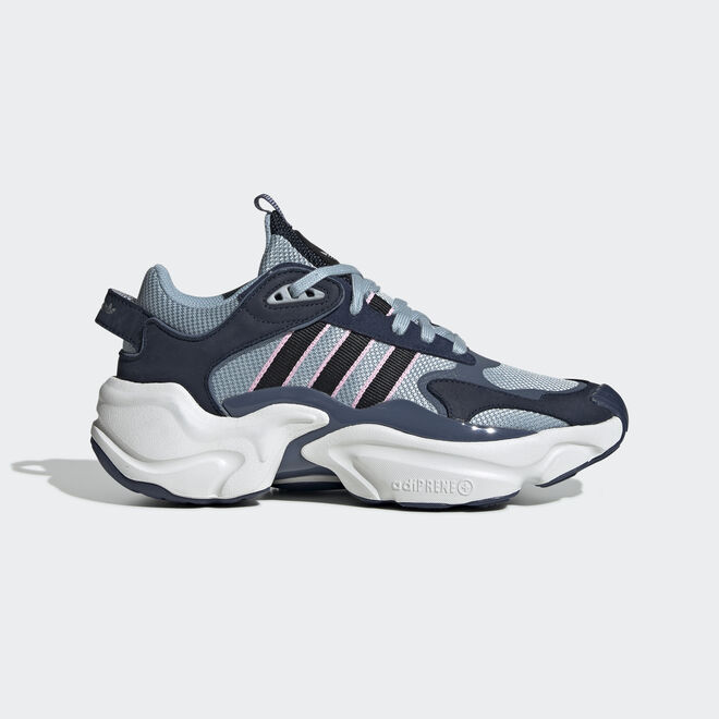 adidas Wmns Magmur Runner