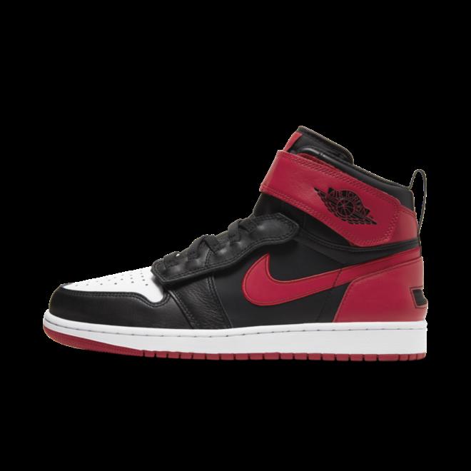 Air Jordan 1 Hi FlyEase zijaanzicht