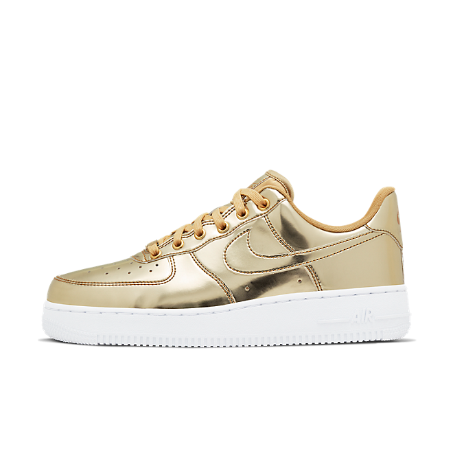 Nike WMNS Air Force 1 SP 'Gold' - Liquid Metal Pack zijaanzicht
