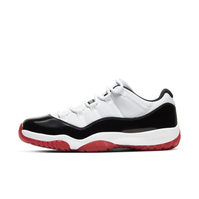 Air Jordan 11 Low 'White Black' zijaanzicht