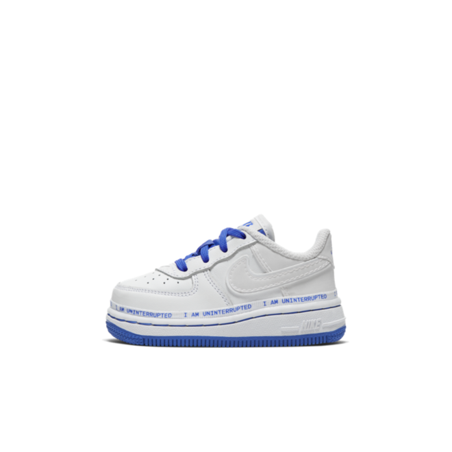 Nike Air Force 1 TD 'More Than An Athlete' zijaanzicht