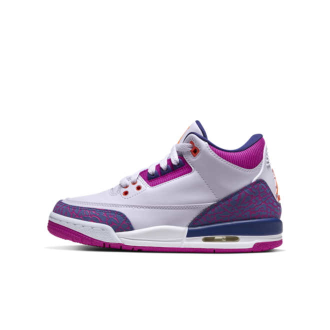 Air Jordan 3 Retro GS 'Barely Grape' zijaanzicht
