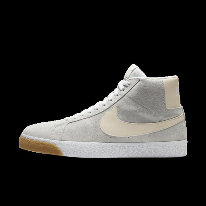 Nike SB Blazer 'Photon Dust' zijaanzicht
