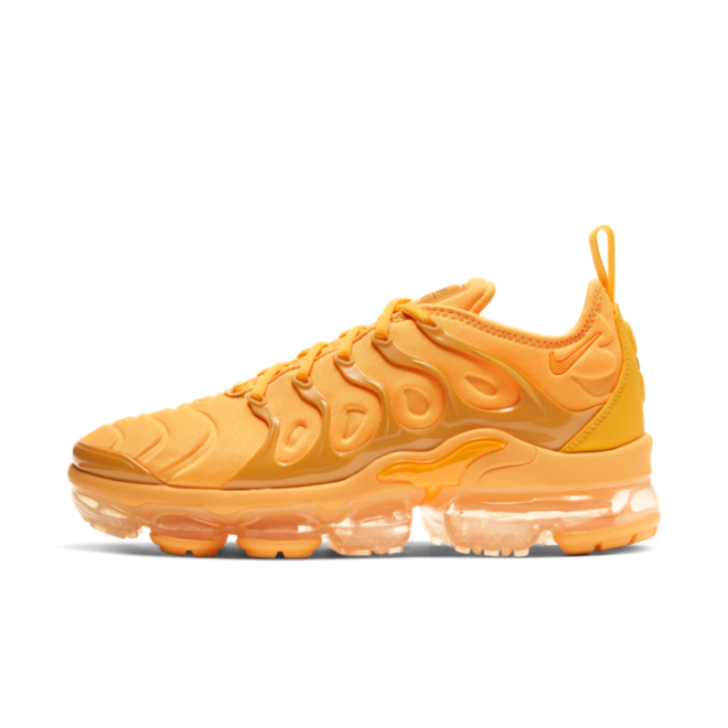 Nike Air Vapormax Plus 'Orange' zijaanzicht