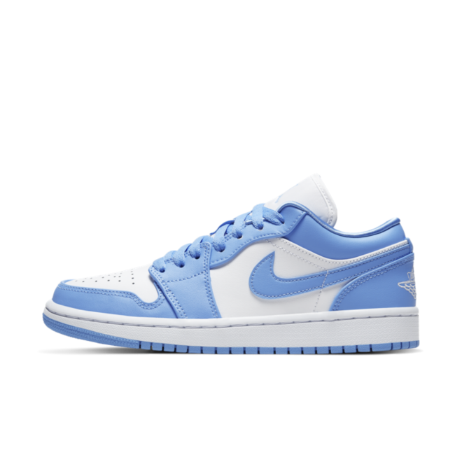 Air Jordan 1 Retro Low 'UNC' zijaanzicht