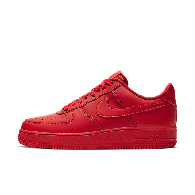 Nike Air Force 1 '07 'Triple Red' zijaanzicht