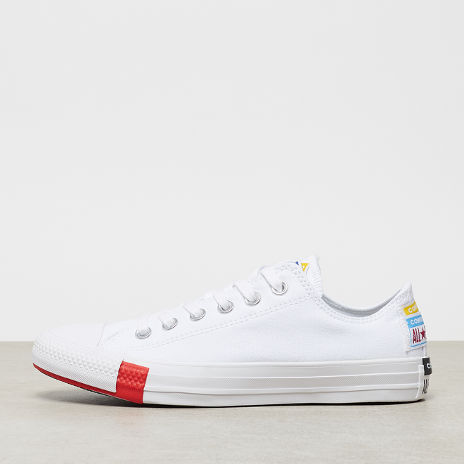Chuck Taylor All Star Logo Stacked OX