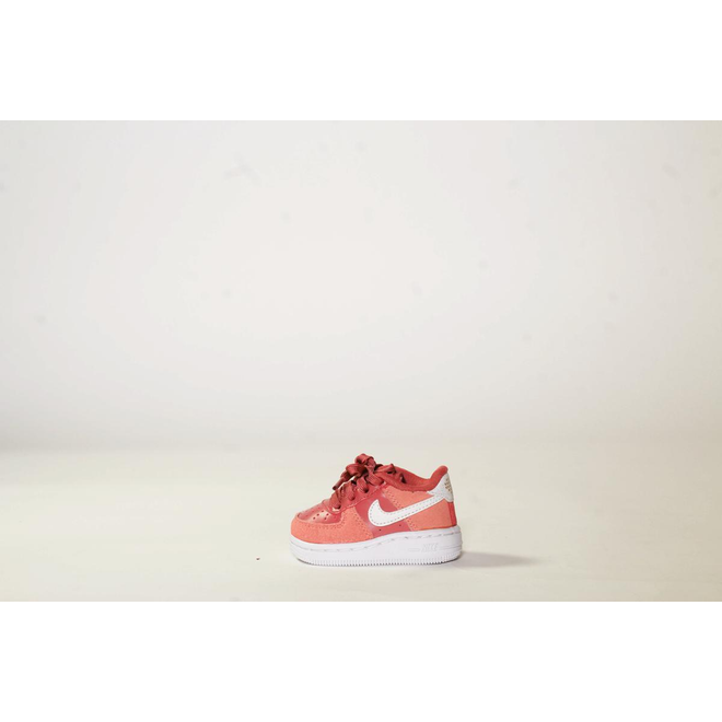 Nike Force 1 LV8 V-Day