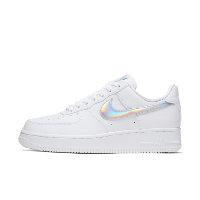 Nike Air Force 1 'White Iridescent' zijaanzicht
