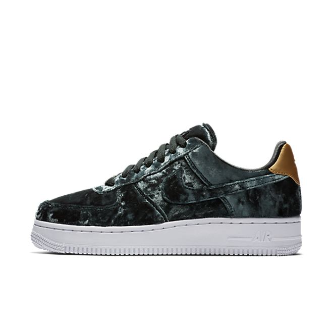 "Nike Air Force 1 07 Premium ""Outdoor Green"""