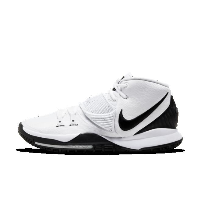 Nike Kyrie 6 'Oreo' zijaanzicht