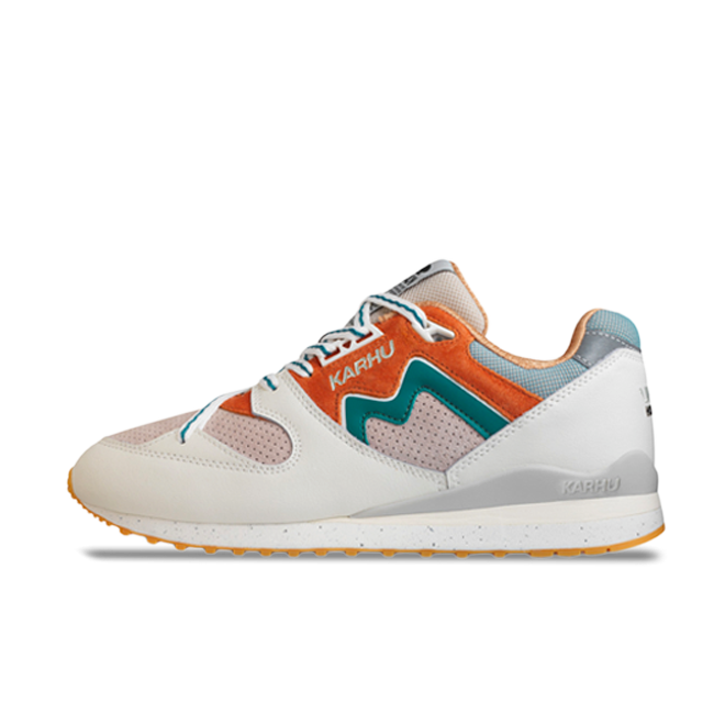 Karhu Synchron Classic 'Month of the Pearl'