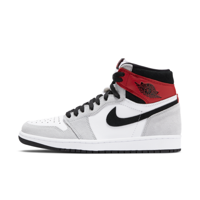 Air Jordan 1 High Retro OG 'Smoke Grey' zijaanzicht