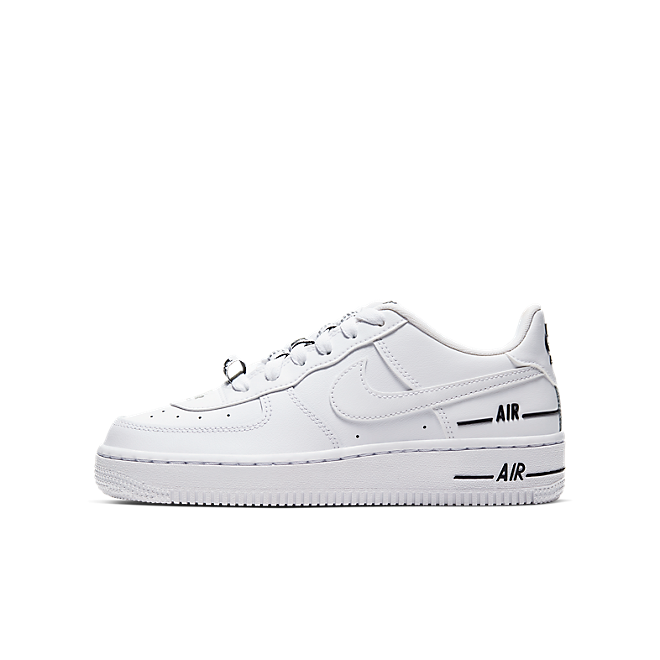 Nike Air Force 1 LV8 3