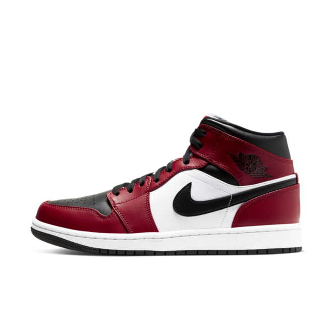 Air Jordan 1 Mid 'Chicago Black Toe' zijaanzicht