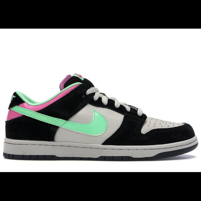 Nike SB Dunk Low Magnet Light Poison Green