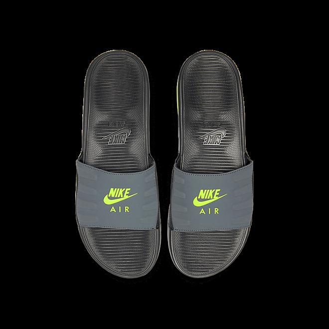 Nike Air Max Camden Dark Volt