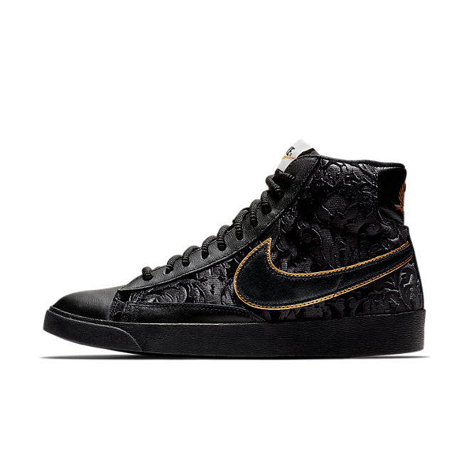 lanza cocaína Ingenieria  Nike Blazer Mid Velvet Black Metallic Gold (W) | AV8437-001 | Sneakerjagers