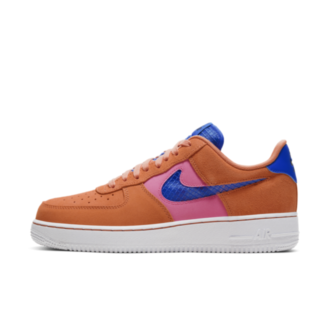 Nike Air Force 1 'Orange Trance' zijaanzicht