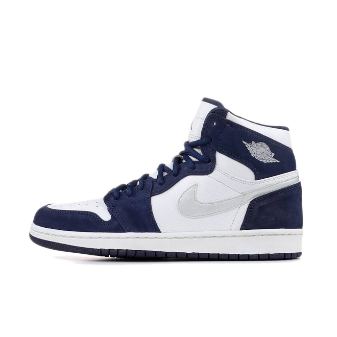 Air Jordan 1 High Retro 'Midnight Navy' zijaanzicht
