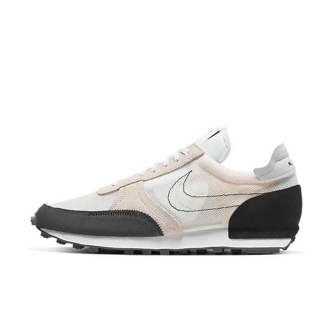 Nike Daybreak Type Summit White Light Orewood Brown