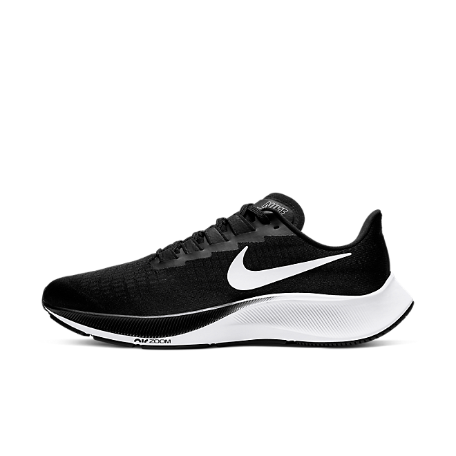 Nike Air Zoom Pegasus 37 'Black & White' zijaanzicht