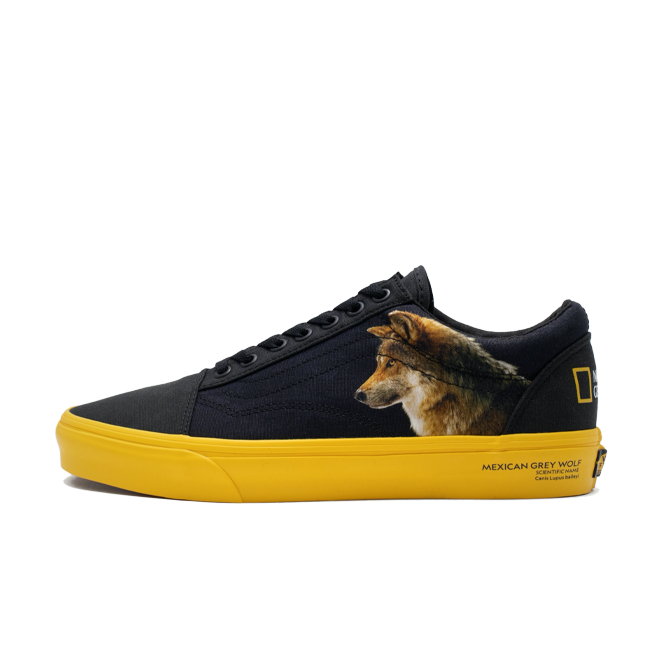 National Geographic X Vans Old Skool 'Animals' zijaanzicht