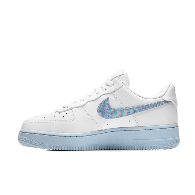 Nike Air Force 1 '07 'Hydrogen Blue' zijaanzicht