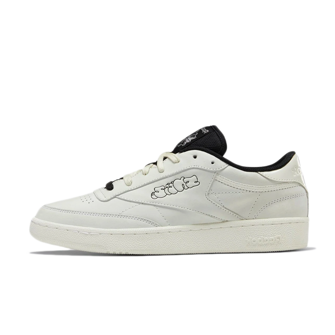 Sneeze X Reebok Club C 'White' zijaanzicht