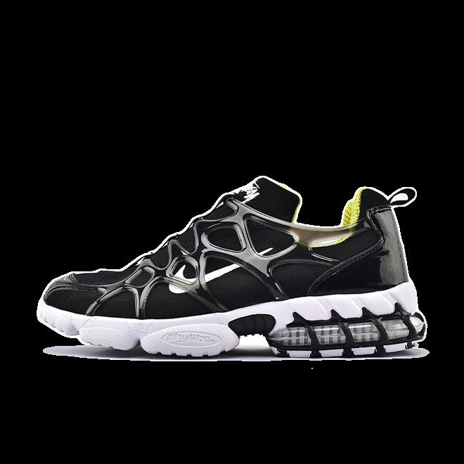 Stüssy X Nike Spiridon KK 'Black' zijaanzicht
