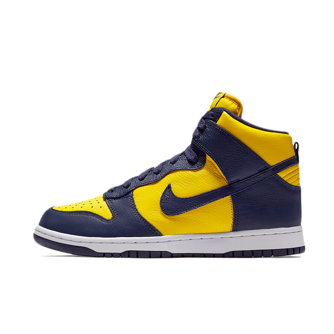 Nike Dunk High 'Michigan' zijaanzicht
