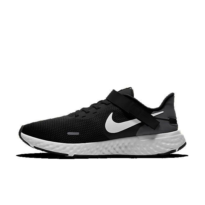 Nike Revolution 5 FlyEase