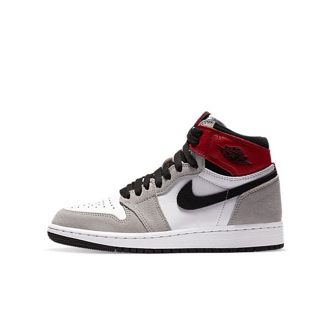 Jordan 1 GS Retro High' Light Smoke Grey' zijaanzicht