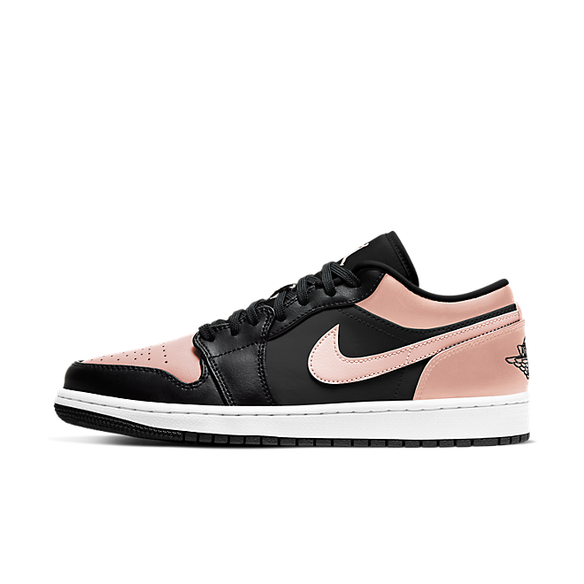 Air Jordan 1 Low 'Crimson Tint' zijaanzicht