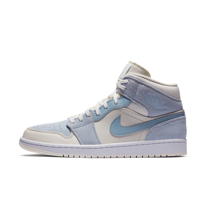Air Jordan 1 Mid SE 'Light Blue' zijaanzicht