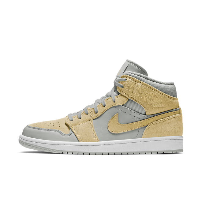 Air Jordan 1 Mid SE 'Light Bone/Yellow' zijaanzicht