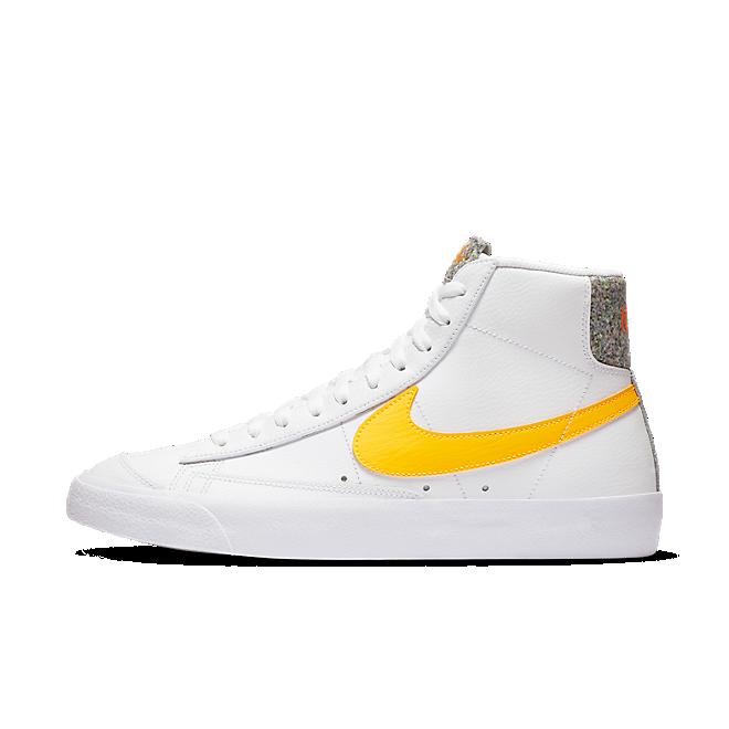 Nike Blazer Mid 77 'Crater' zijaanzicht
