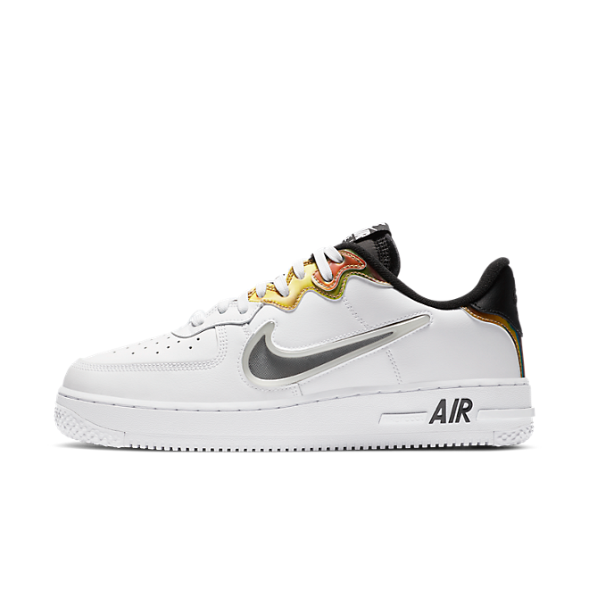 Nike Air Force 1 React 'White/Gold' zijaanzicht