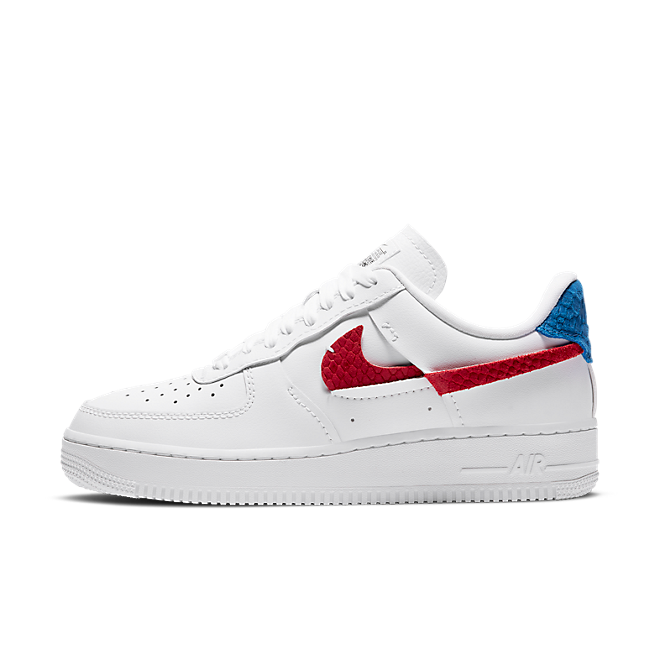 Nike Air Force 1 LXX 'Snakeskin' zijaanzicht