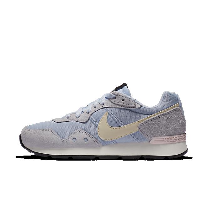 Nike Sportswear Venture Runner