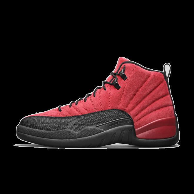 Air Jordan 12 'Reverse Flu Game' zijaanzicht