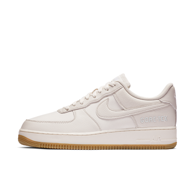 Nike Air Force 1 GORE-TEX® 'Sail' zijaanzicht