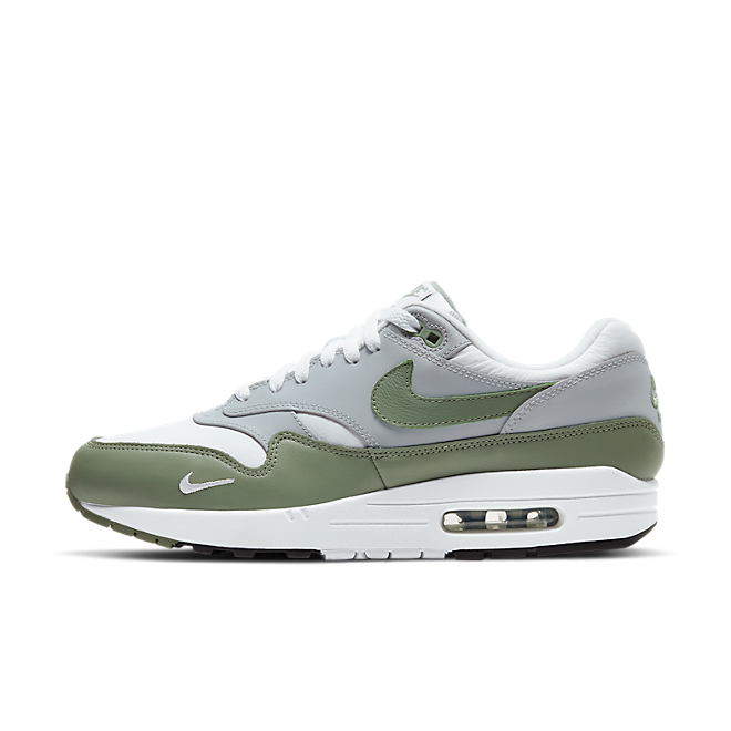 Nike Air Max 1 Leather 'Spiral Sage' zijaanzicht