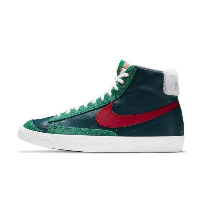 Nike WMNS Blazer Mid 'Christmas' zijaanzicht