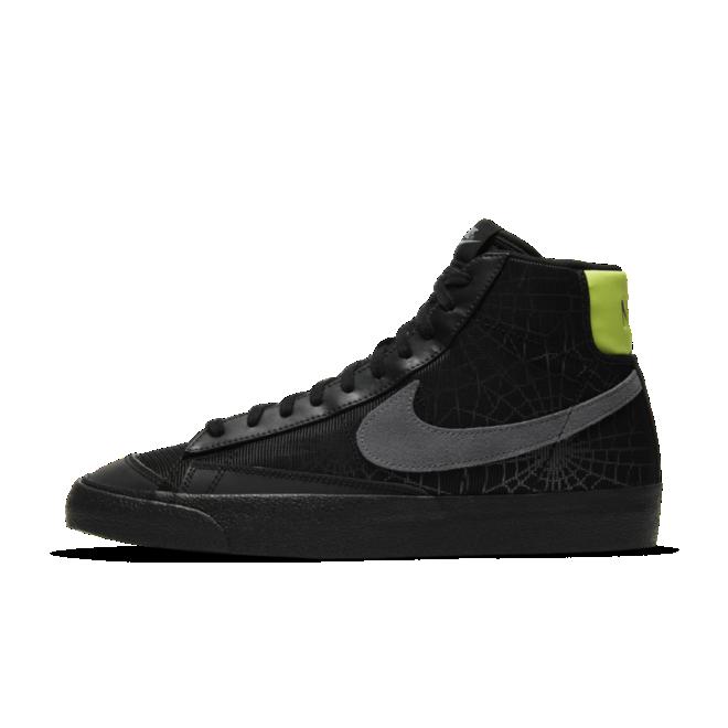 Nike Blazer Mid 'Halloween' zijaanzicht