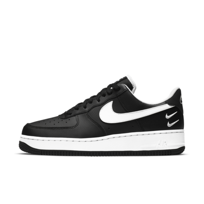 Nike Air Force 1 Double Swoosh 'Black' zijaanzicht